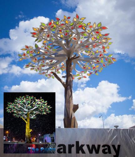 """Tree of  Seasons"" Richland WA.27 feet tall 477 glass leaves Stainless steel"